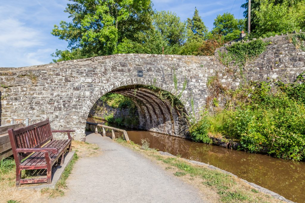 This image has an empty alt attribute; its file name is Travel-Brecon-Canal-Walk-Wales-1-1024x683.jpeg